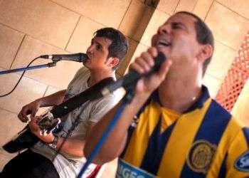 El dúo Buena Fe durante los ensayos / Fotos: Kako.