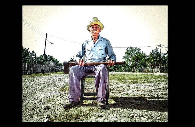 8.Luis-Amador-El-carbonero-retirado-755x490