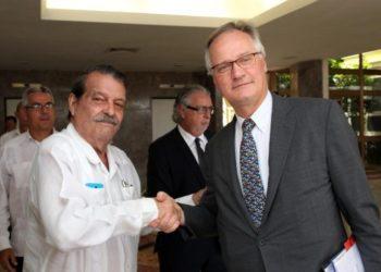 Abelardo Moreno and Christian Leffer at the official greetings of a previous round of EU-Cuba talks.