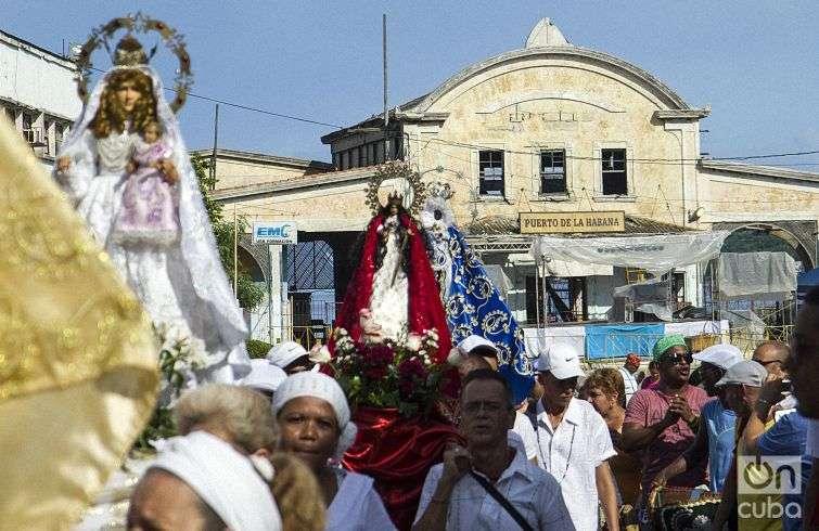 Procession of the Cabildo in Regla. Photo: Yaniel Tolentino.
