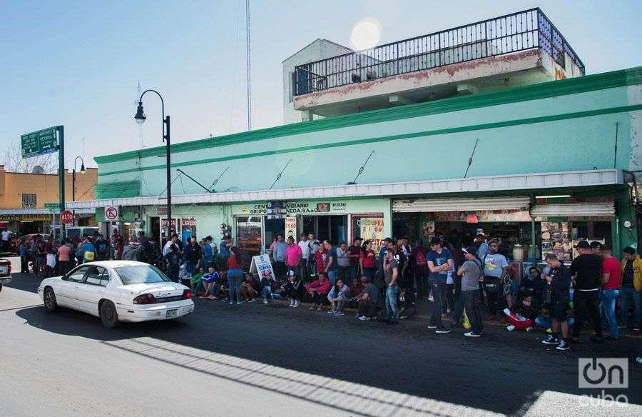 There are already 500 Cubans stranded in the city of Nuevo Laredo. Photo: Irina Dambrauskas.