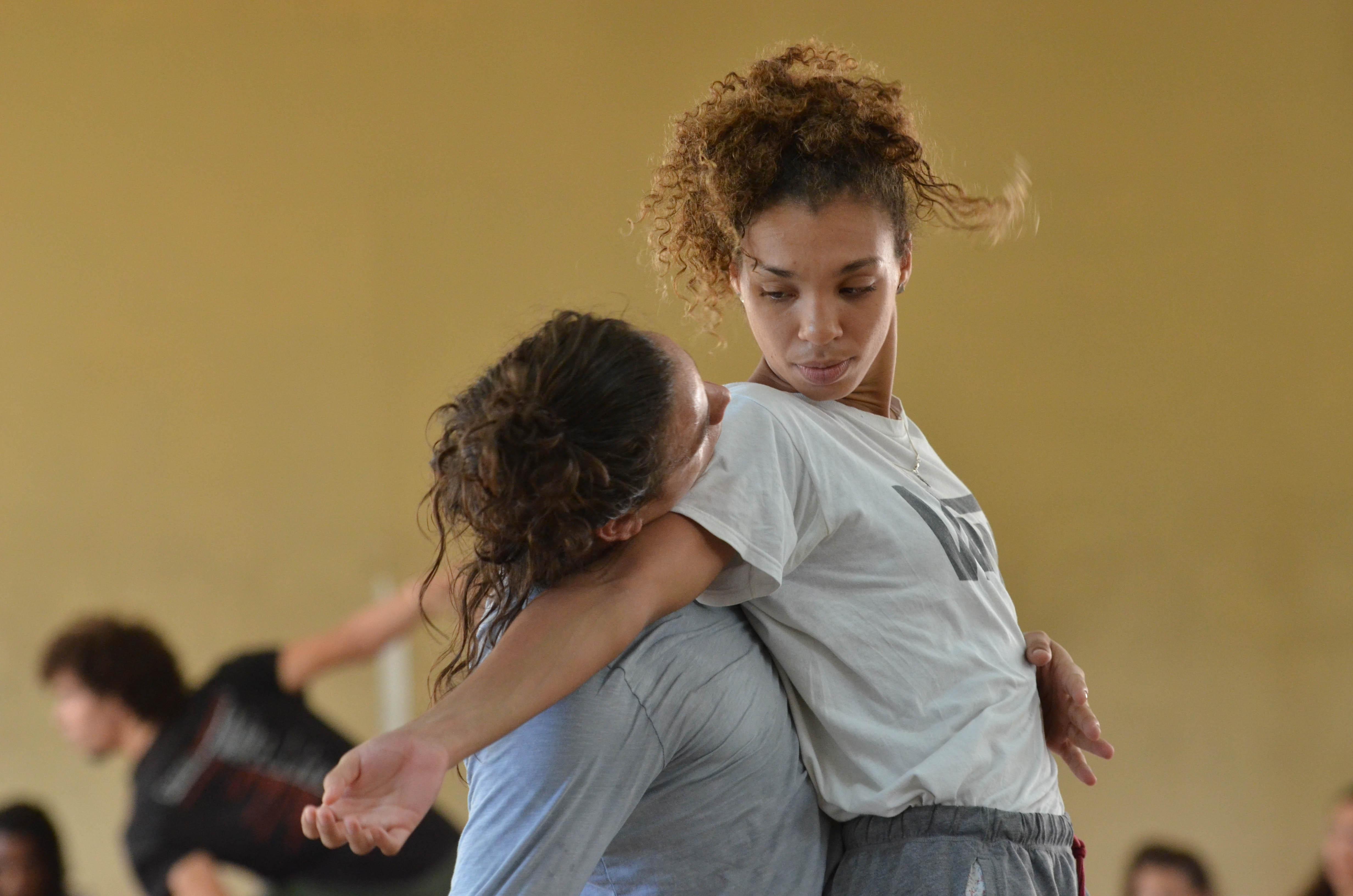 """Danza Contemporánea de Cuba estrenará """"Los amores de Marte y Venus"""", una obra coreografiada por Lea Anderson. Foto: Adolfo Izquierdo."""
