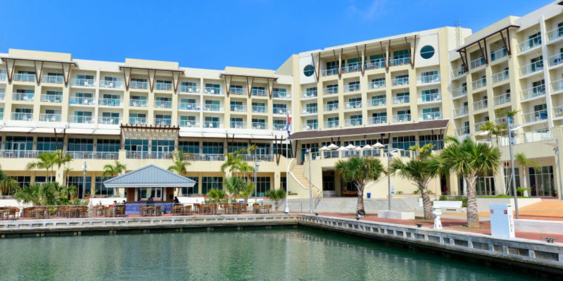 The Meliá Marina Varadero Hotel will receive the first visitors who opt for the new health tourism agreement between Cuba and Canada. Photo: prestigia.com