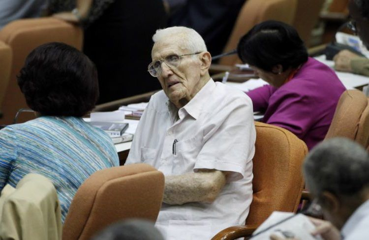 José Ramón Fernández in a photo taken in 2010 at the National Assembly of People's Power. Photo: Javier Galeano / AP.