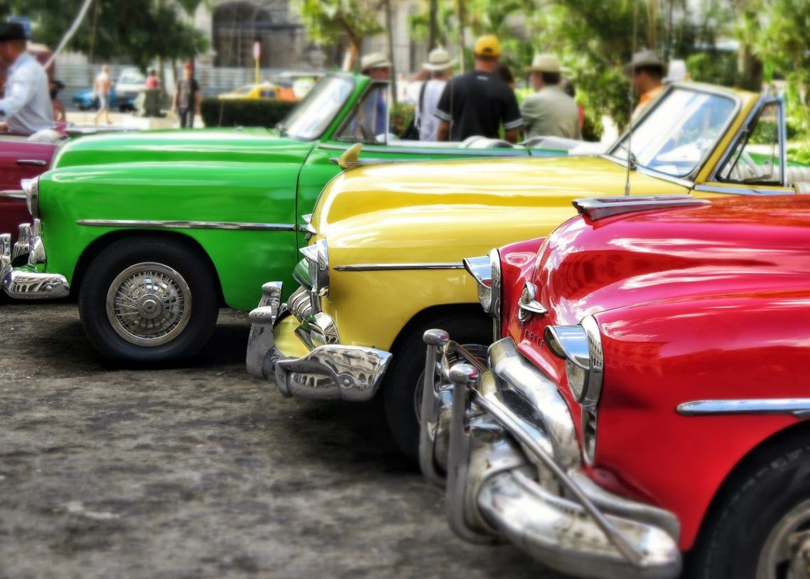 """Without innovation, many of the bright-color """"vintage cars"""" could barely have reached the title of """"jalopy."""" Photo: pxhere.com"""