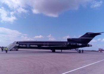 Mexican Federal Police aircraft that brought to Cuba a group of more than 50 deported migrants, on April 5, 2019. Photo: Prensa Latina/Twitter.