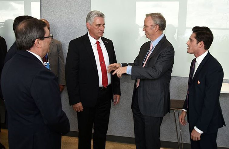 Miguel Díaz-Canel met with directors of U.S. technology companies at Google headquarters in New York, September 24, 2018. Photo: Estudios Revolución.