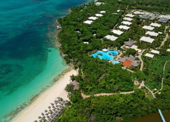 The all-inclusive Paradisus Río de Oro Hotel is located on Esmeralda beach, 5 km from Guardalavaca, Holguín. Photo: bthetravelbrand.com.