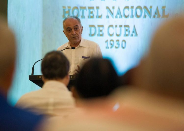 The ambassador of the European Union to Cuba, Alberto Navarro, speaking during a meeting of the island's Ministry of Foreign Investment with businesspeople and diplomats, at the Hotel Nacional de Cuba, in Havana. Photo: Yander Zamora / EFE.