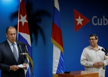 Russian Foreign Minister Sergey Victorovich Lavrov (l), along with his Cuban counterpart, Bruno Rodríguez Parrilla (r), this Wednesday at the headquarters of the Cuban Foreign Ministry in Havana. Photo: Yander Zamora / EFE.