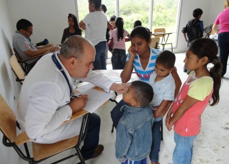 Cuban doctors in Honduras. Photo: educaciondiaria.org / Archive.
