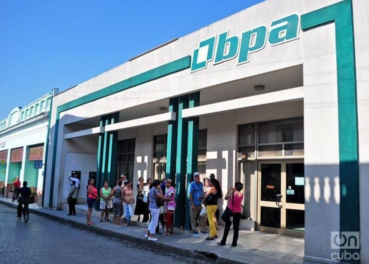 Cuban Bank. Photo: Yariel Valdés González / Archive.
