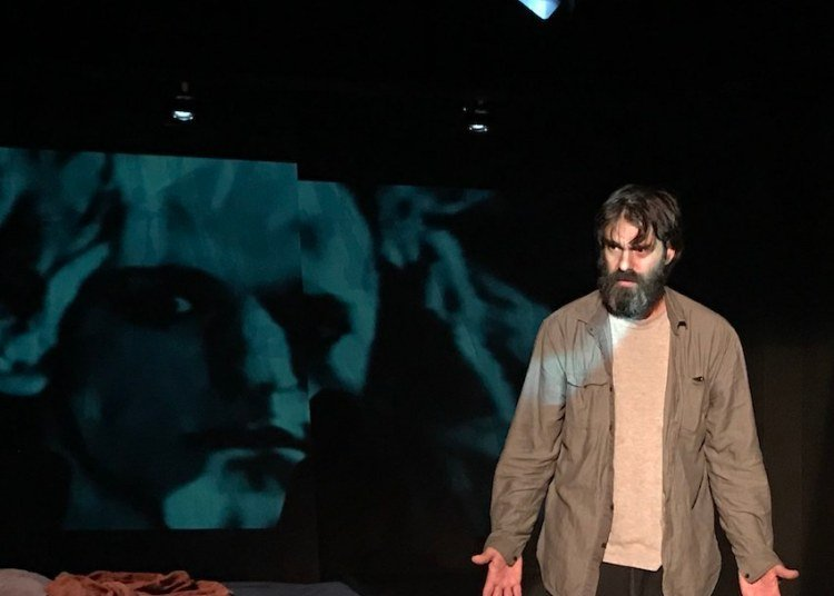 "In ""Misterios y pequeñas piezas"" Caleb Casas plays a tormented Vicente Revuelta, to whom this Havana Theater Festival is dedicated. Photo: company's website."
