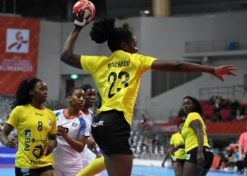 The Cubans were unable to stop Angola's offensive and received 40 goals in the last game of the group stage of the women's handball World Championship, held in the Japanese city of Kumamoto. Photo: www.ihf.info
