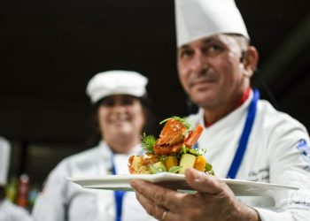 Cuban chefs during the 7th International Culinary Festival, in Havana, from October 14 to 18, 2019. Photo: Otmaro Rodríguez.
