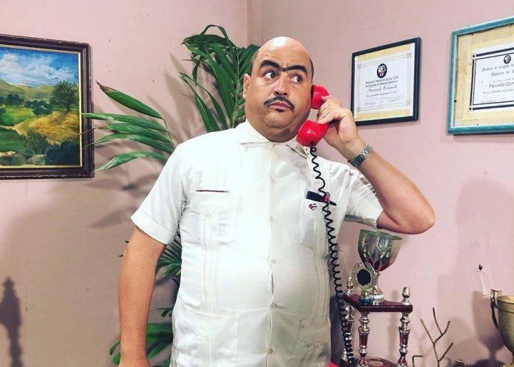"Facundo Correcto in his home in the ""Vivir del Cuento"" TV program. Photo: @facundovivirdelcuento / FB."