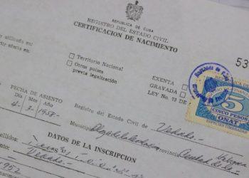 Birth certificate in Cuba. Photo: @CubaMinjus / Twitter.