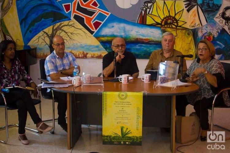 Colloquium at the Casa del Alba on Cuba-U.S. relations, at the Havana International Book Fair. Photo: Otmaro Rodríguez