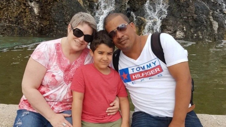 Canadian Laura Silver, with her husband, Cuban Carlos González, and her son Tito in 2017 in Havana. Photo: cbc.ca