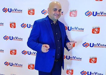 """Cuban humorist Andy Vázquez, who played the character of Facundo Correcto in the television program """"Vivir del Cuento,"""" poses for a photo in the United States. Photo: Facebook profile of Andy Vázquez."""
