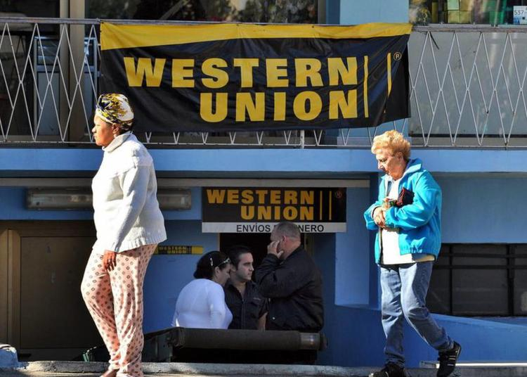 Western Union office in Havana. Photo: EFE / Archive