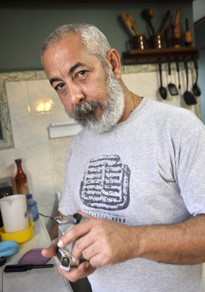 Leonardo Padura: with Cuba and with my language in tow...
