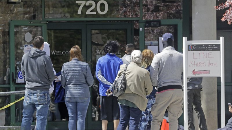 Unemployment rate in U.S. falls to 11%, but new job closings are expected
