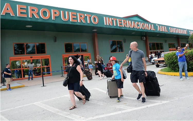 Archive photo of Abel Santamaría International Airport in Santa Clara, Cuba. Photo: Vanguardia/Archive.