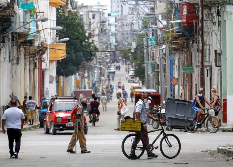 Five cases reported yesterday with the new coronavirus, all from Havana. Municipalities: Cerro, Cotorro and San Miguel del Padrón. Photo: Yander Zamora/EFE/Archive