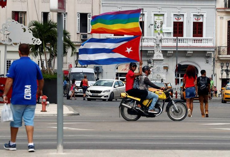 Lesbian, gay, bisexual, transsexual and intersex (LGBTI) rights activists participate in a march on Saturday, May 11, 2019, along the Paseo del Prado in Havana (Cuba). Photo: Ernesto Mastrascusa/EFE