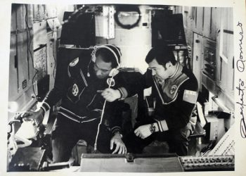 Cuban cosmonaut Arnaldo Tamayo Méndez (left) at the Saliut 6 orbital station, in September 1980. Photo: Juventud Rebelde/Archive.