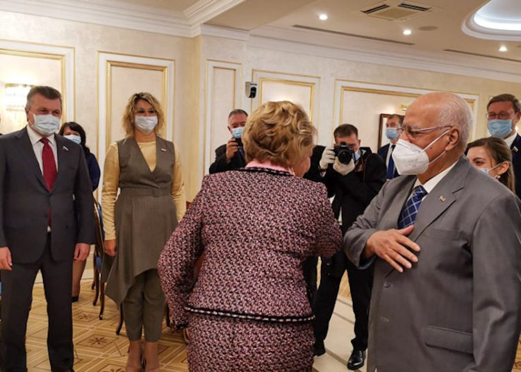 Cuban Deputy Prime Minister Ricardo Cabrisas met with Valentina Matviyenko, speaker of the Council of the Russian Federation. Photo: @AnaTeresitaGF/Twitter.