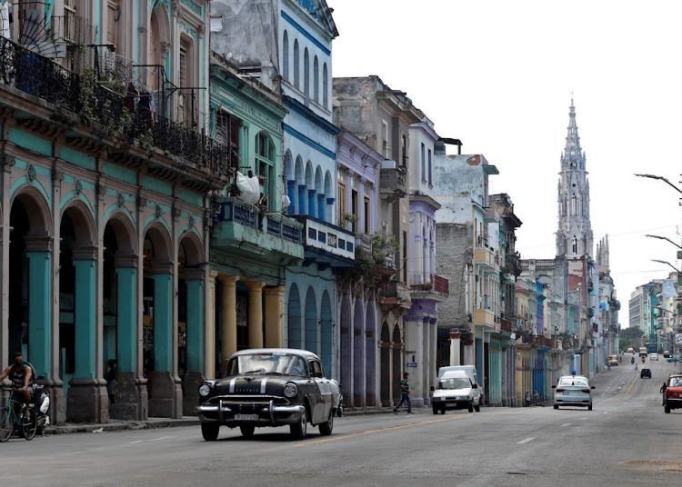 Only Havana and Matanzas reported contagions in the last 24 hours, with a territorial dispersion warned by Dr. Durán, who highlighted that 38 municipalities on the island have reported the new coronavirus in the last 15 days. 12 reported cases in today's report. Photo: Ernesto Mastrascusa/EFE.