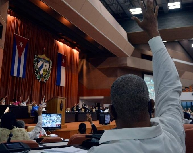 The Cuban National Assembly approved four new laws in its regular session on October 28, 2020. Photo: @anamarianpp/Twitter.
