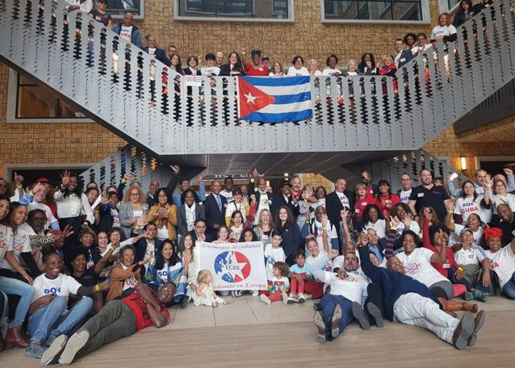 Archive photo of Cuban emigrants in Europe during a three-day meeting in Brussels in 2018. Photo: @SoberonGuzman/Twitter/Archive.