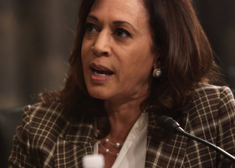"The Democratic candidate for the U.S. vice presidency, Kamala Harris, assured this Tuesday in an interview with EFE that if she and Biden get to the White House they will repeal the restrictions that Trump has imposed on the island, although the end of the blockade will not happen ""soon."" Photo: ALEX WONG/EFE/EPA."