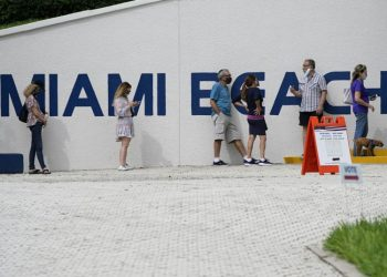 A line at a voting center in Miami Beach | Lynne Sladky / AP
