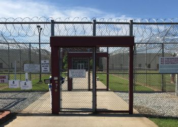 Entrance to the Stewart Detention Center, in the United States. Photo: CVT.