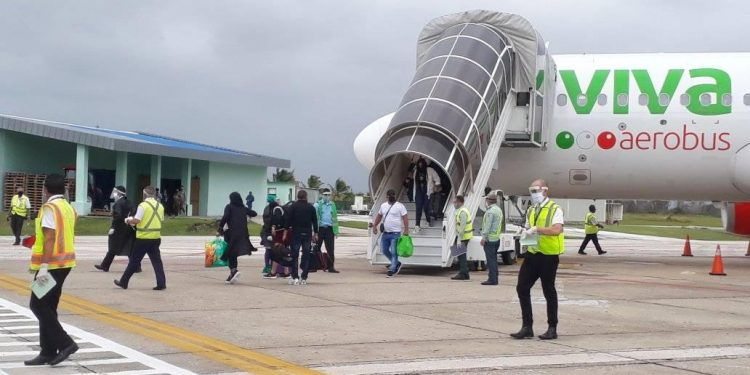 Arrival from Cancun of a flight of the Mexican airline Viva Aerobus, at the Abel Santamaría International Airport, in Santa Clara, Cuba, in November 2020. Photo: Abel Santamaría International Airport/Facebook/Archive.