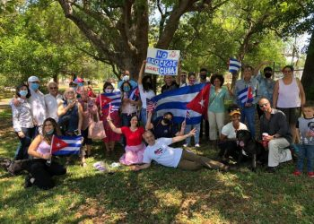 Group of Cuban activists in Tampa