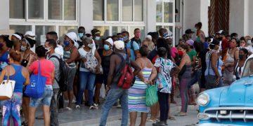 The coronavirus figures in Cuba continue being very alarming. Photo: Yander Zamora/EFE.