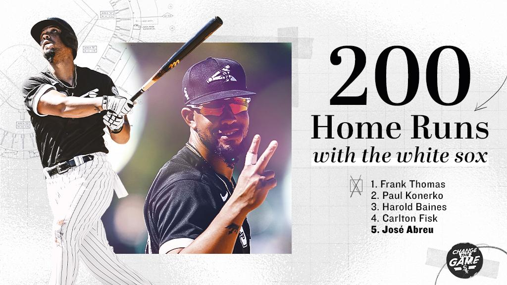 The name of José Abreu appears next to several immortals who have also hit 200 home runs with the White Sox shirt. Photo: Chicago White Sox.