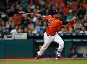 Yuli Gurriel llegó a la Serie Mundial con los Astros de Houston. Foto: Karen Warren / Houston Chronicle.