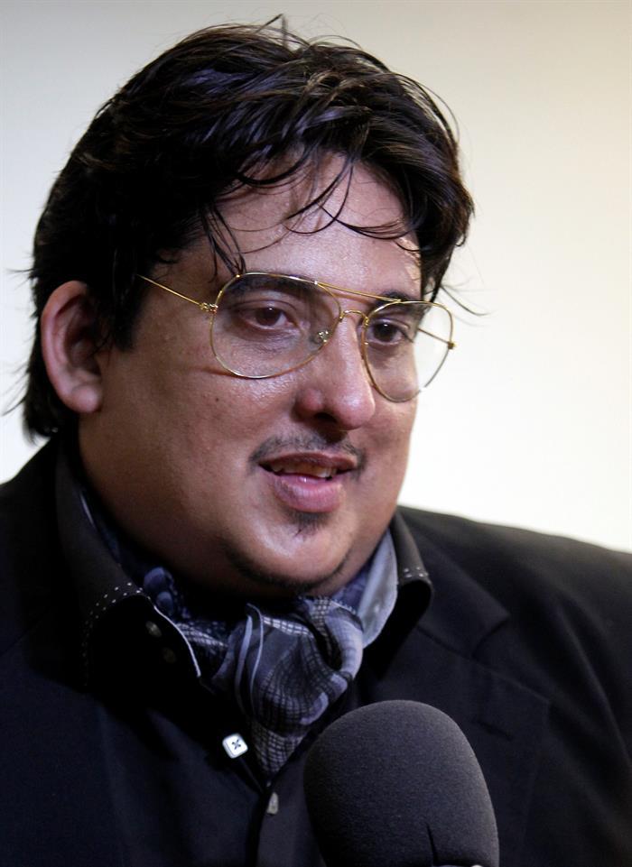 Carlos Sanabia, compositor y director de los Soneros Dorados. Foto: Ernesto Mastrascusa / EFE.