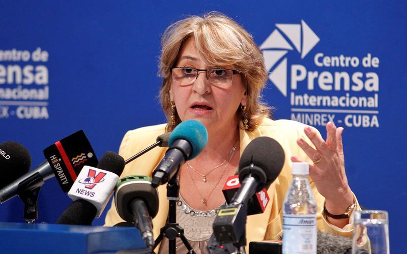 Alina Balseiro, presidenta de la Comisión Electoral Nacional de Cuba, informó los resultados preliminares de las elecciones de este domingo en la Isla. Foto: Ernesto Mastrascusa / EFE.