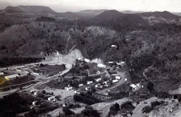 En las minas de Daiquirí, en Santiago de Cuba, comenzó la historia de uno de los más célebres cocteles de Cuba. Foto: Archivo de Ignacio Fernández Díaz.