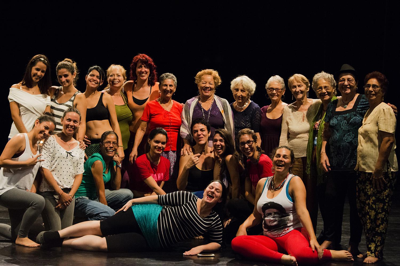 Participantes del I Encuentro de Danza y Música del Medio Oriente. Foto: Laura Alejo.