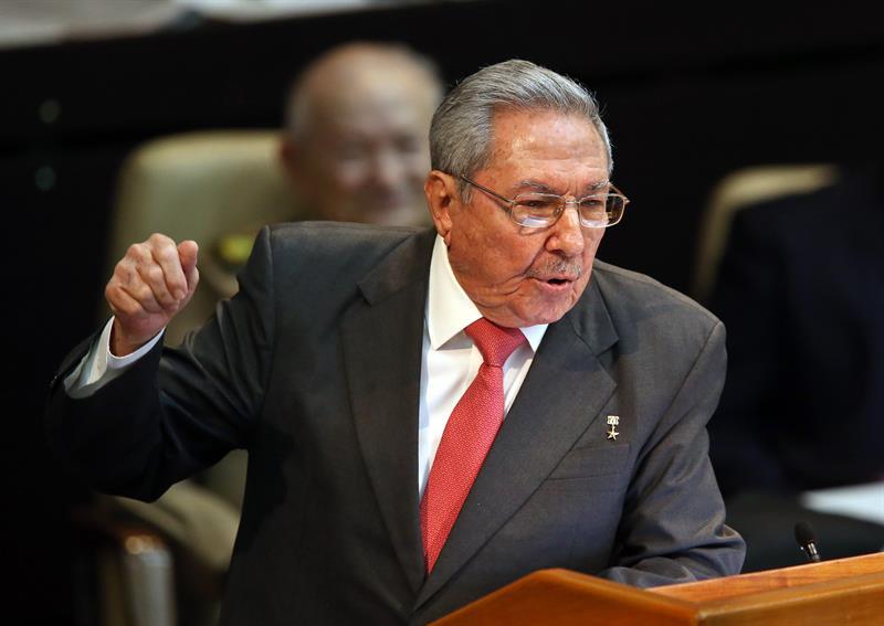 Raúl Castro en la clausura de la Asamblea Nacional que eligió a su sucesor. Foto: EFE.