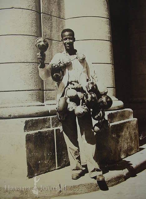 Vendedor de maracas, ca 1920.