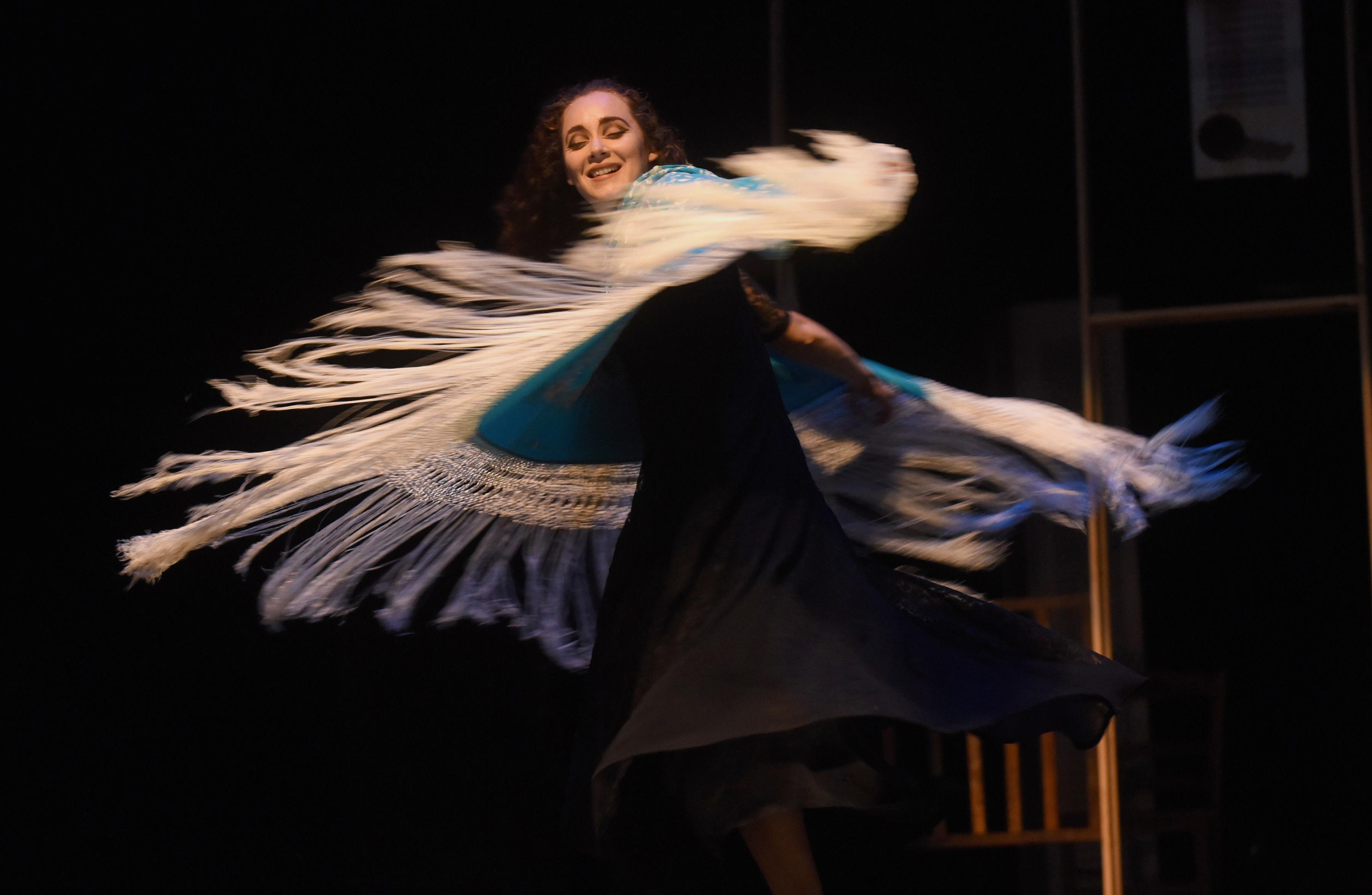 """""""Hij@s de la Bernarda"""", Compañía Tojunto, Puerto Rico. Dramaturgia y dirección escénica: Rosa Luisa Márquez. Foto: Ricardo Alcaraz."""